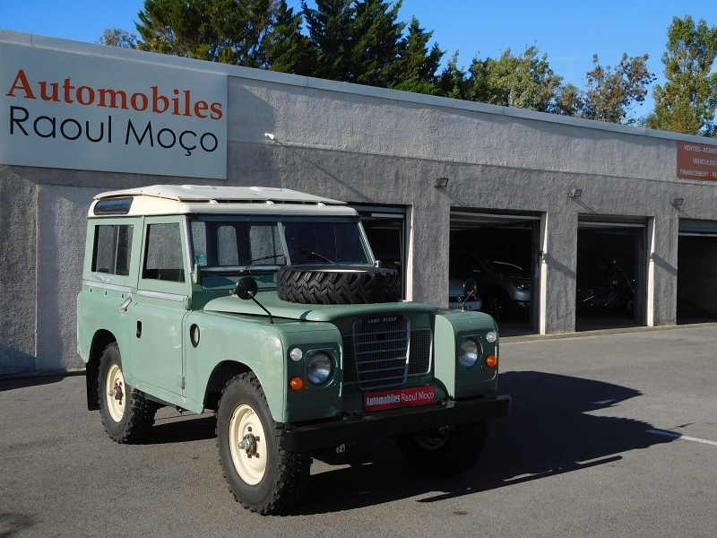Land-Rover DEFENDER SERIE II A STATION WAGON Essence VERT Occasion à vendre